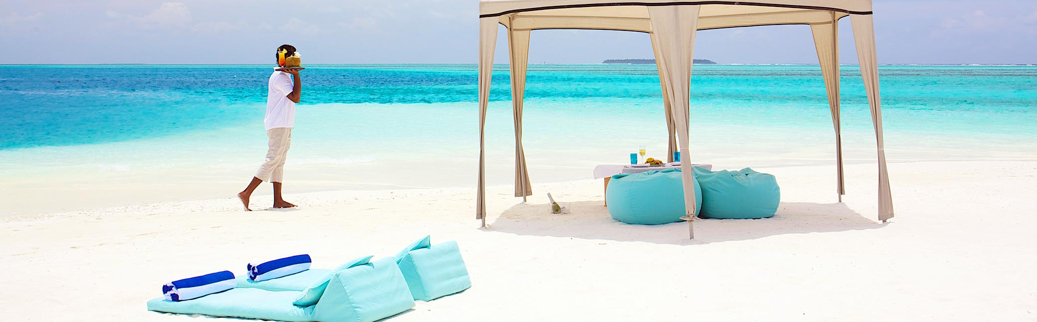 Maldives Romantic Resorts by LUXUR HOLIDAYS