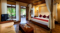 Kuramathi Island Resort Water Villa