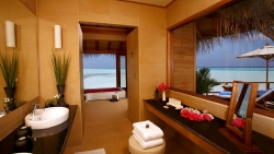 Anantara Sunset Over Water Suite bathroom
