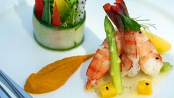 Enjoy Gourmet Dining in Maldives