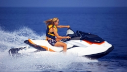 Anantara Kihavah Elements Water Sports jet ski