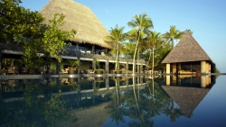 Anantara Kihavah Swimming pool
