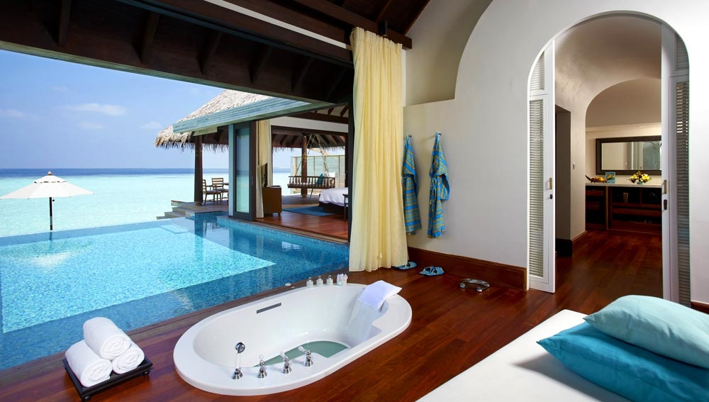 Anantara Kihavah Over Water Pool Villa bathroom