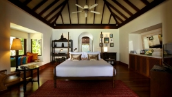 Anantara Kihavah Beach Pool Residence Master bedroom entrance view