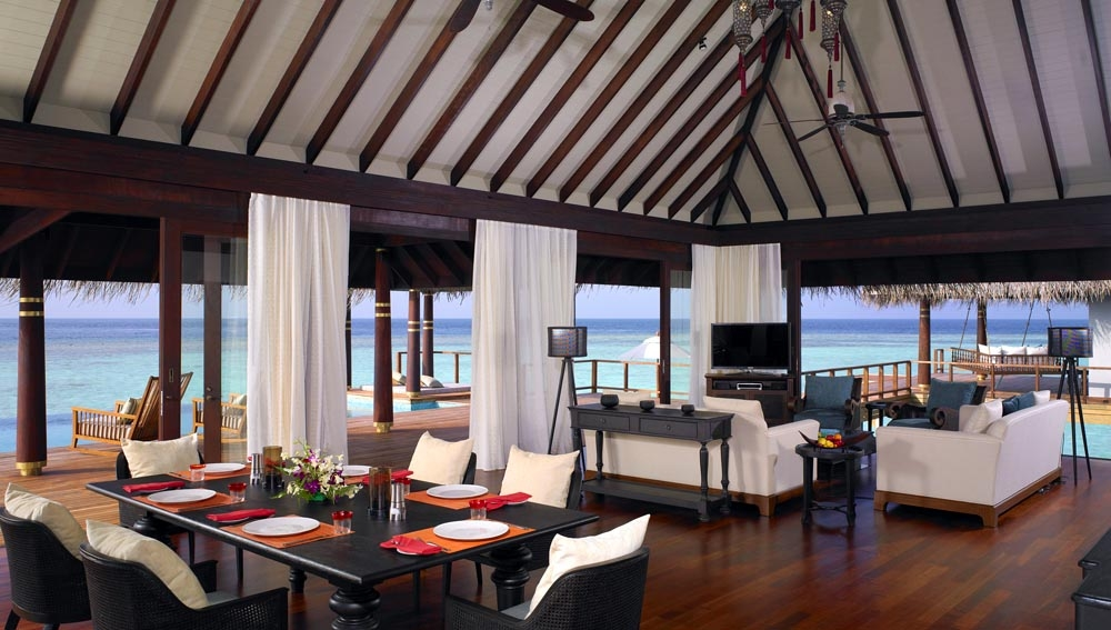 Anantara Kihavah Two Bedroom Over Water Pool Residence lounge