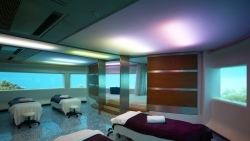 Underwater treatment room