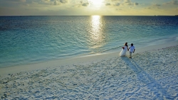 Holiday Island Resort & Spa Maldives