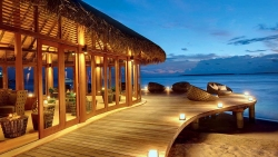 Hideaway Beach Resort & Spa Dhonakulhi Meeru Bar and Grill