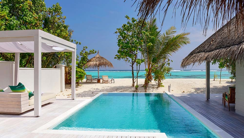 Maldive Kanuhura Retreat Beach Pool Villa Sunrise
